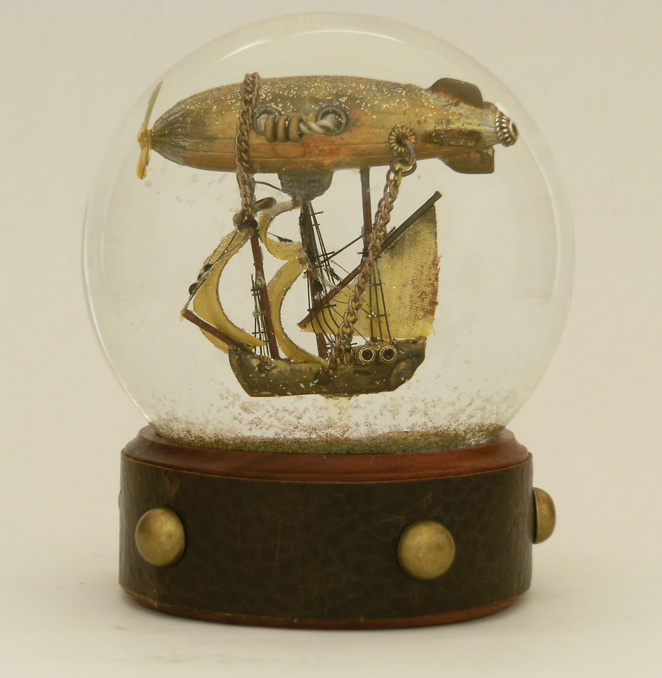 Steampunk Snow Globes by Maeve Alpin | STEAMED!